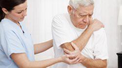 Bảo vệ sức khỏe người cao tuổi như thế nào là đúng cách?