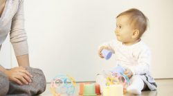 Hướng dẫn mẹ cách nuôi dạy trẻ 2 tuổi
