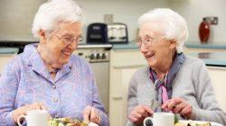 Chế độ dinh dưỡng cho người lớn tuổi như thế nào là hợp lý?