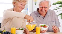 Nguyên nhân và dấu hiệu suy dinh dưỡng ở người già