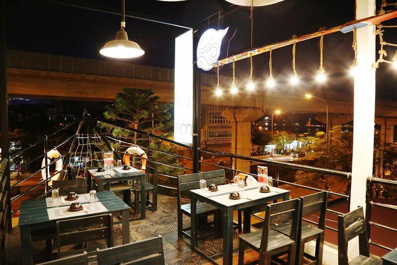 Thiết kế nhà hàng bình dân giúp mang lại một hình ảnh mới giúp thu hút nhiều khách hàng ghé thăm và thưởng thức